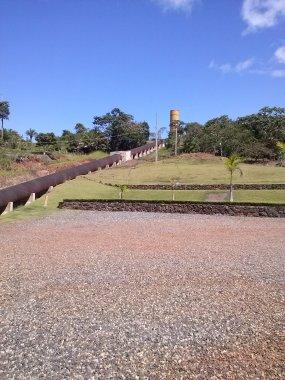 Duto de condução do canal para as turbinas